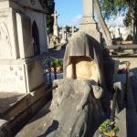 Mallorca-Palma-Friedhof-Eine-in-Stein-gehauene-Mutter-trauert-um-ihr-Kind-150x150