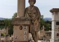 Mallorca-Palma-Friedhof-Figur-120x86