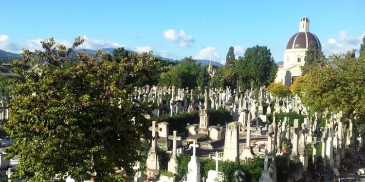Mallorca Palma Friedhof Wie-viele-Kreuze-mag-es-hier-wohl-geben