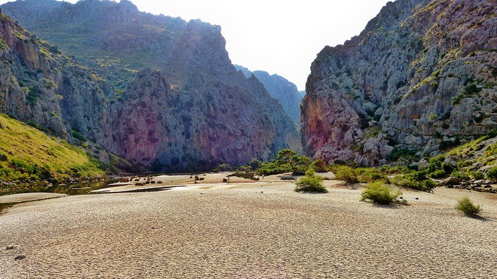 Mallorca-Sa-Calobra-Torrent-de-Pareis-Berge-Felsen-Sonnenschein