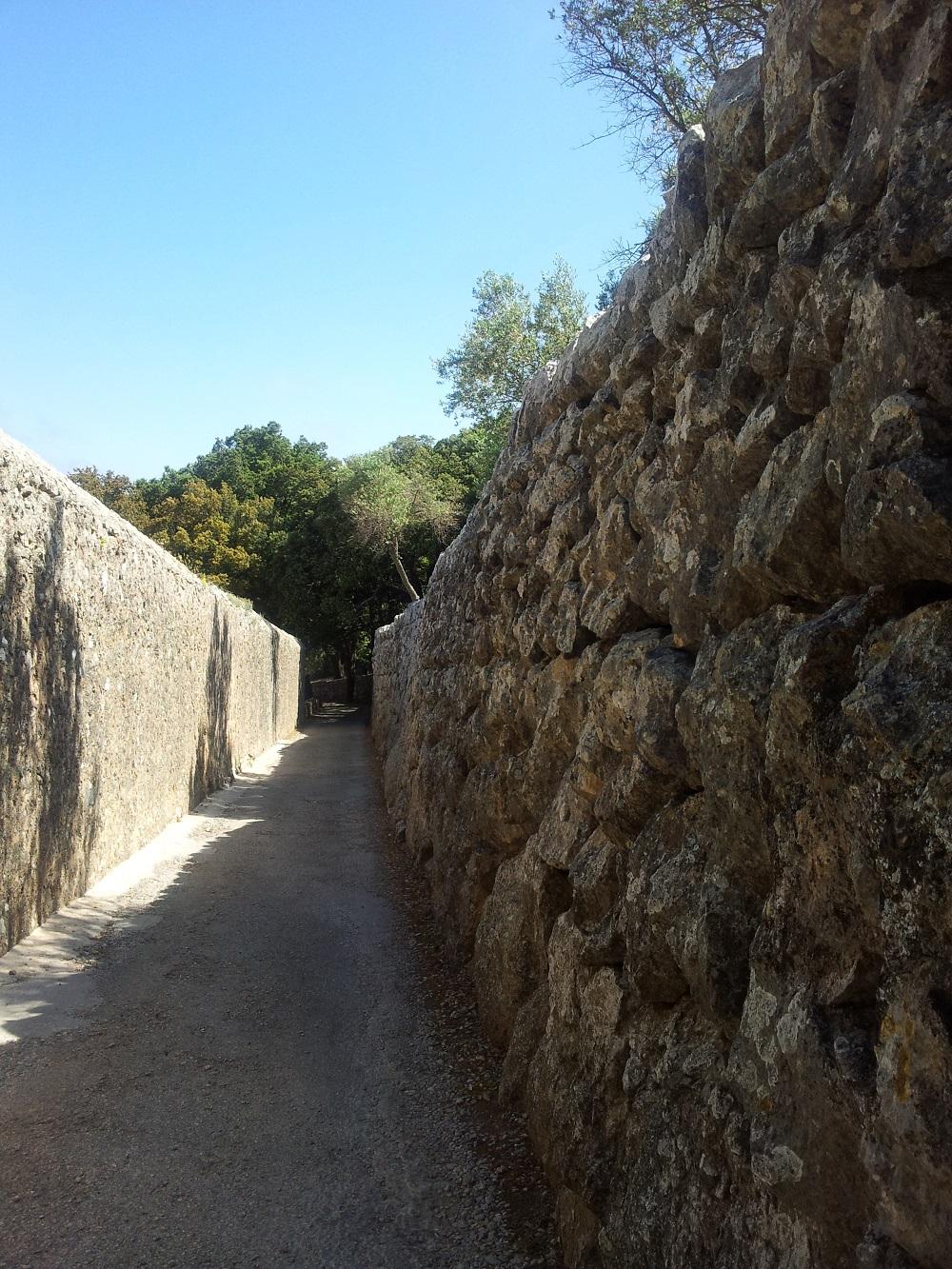 Mallorca-Ermita-de-la-Trinitat-Zufahrt-Kloster