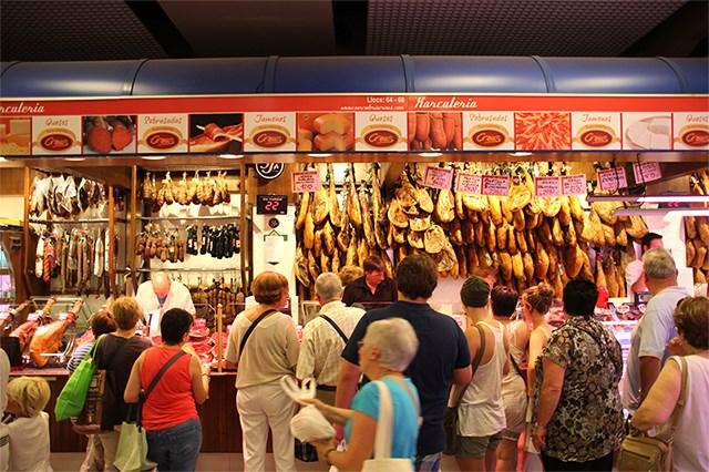 Palma-de-Mallorca-Markthalle-Fleisch