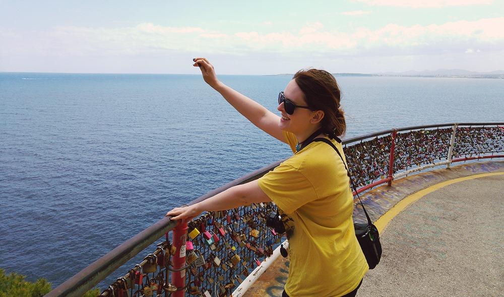 Mallorca-Costa-de-los-Pinos-Liebesschloesser-Meer-Werfen