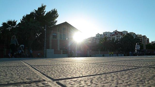 Mallorca-Palma-Markthalle-Mercado-Gastronomico-San-Juan-Eingang-Sonnenschein