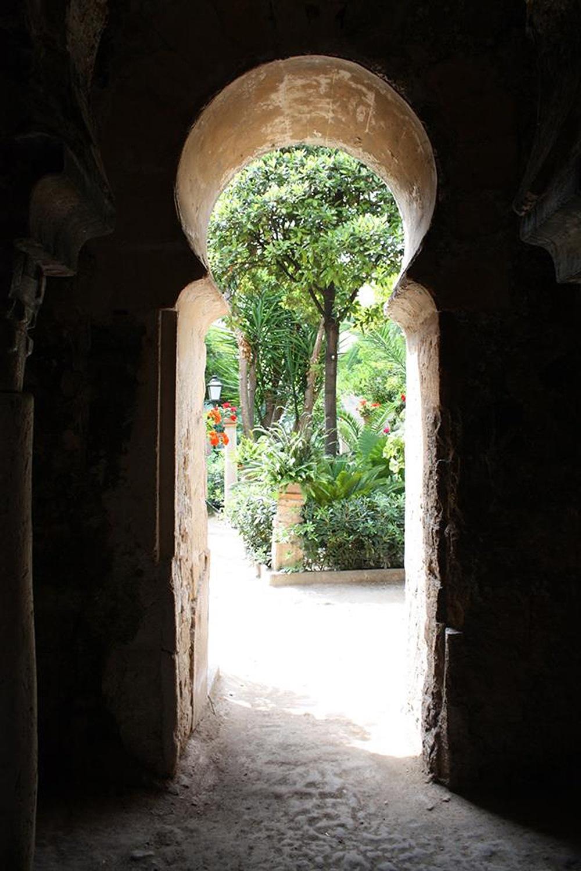 Mallorca-Arabische-Gaerten-Ausblick-Garten