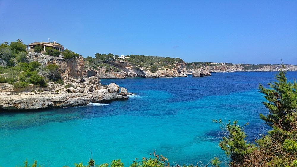 Mallorca-Cala-Llombards-Meer-Felsen