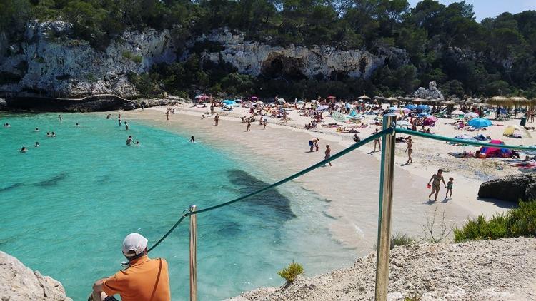 Mallorca-Cala-Llombards-Meer-Strand-Felsen-Ausblick