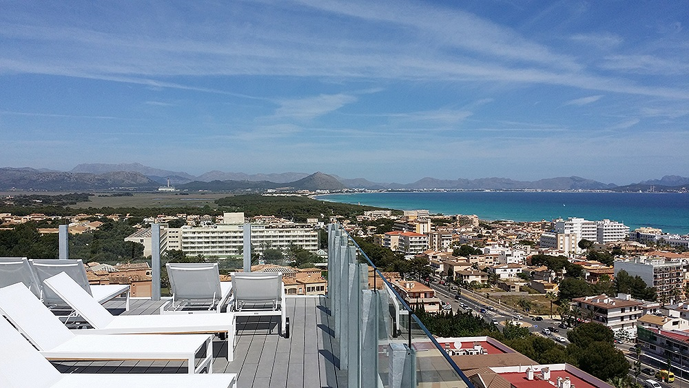 Mallorca-Can-Picafort-Aussicht-Meer-Rofftop-Bar-Tonga-Tower