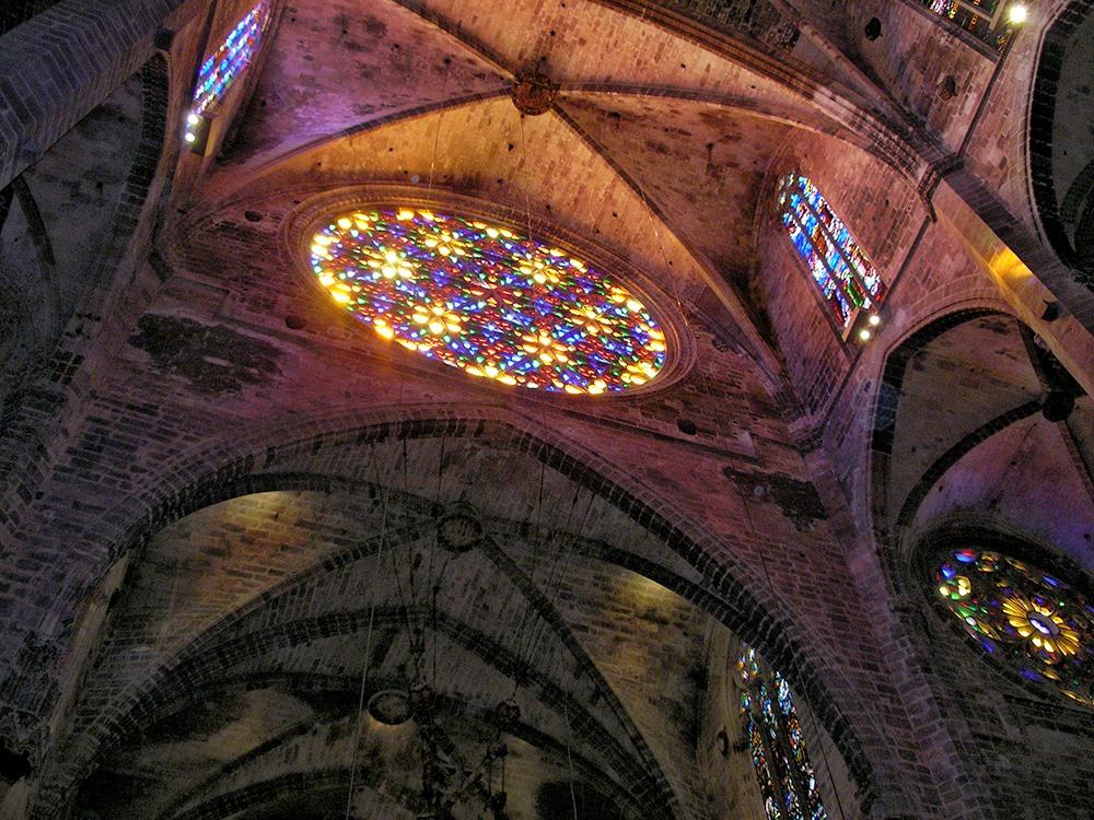 Mallorca-Kathedrale-La-Seu-Innen-Fenster