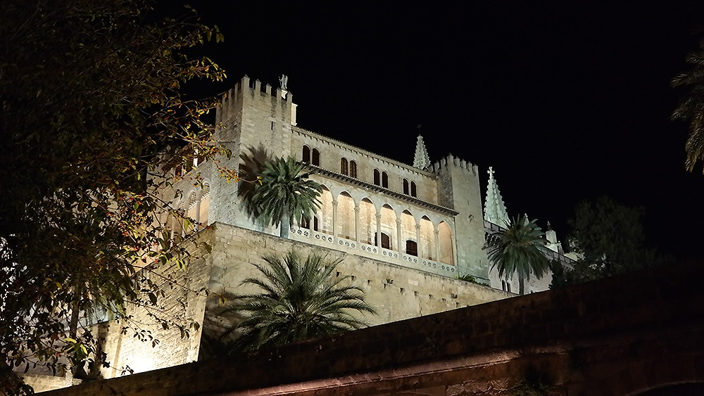 Mallorca-Palma-Almundaina-Palast-Nacht-2