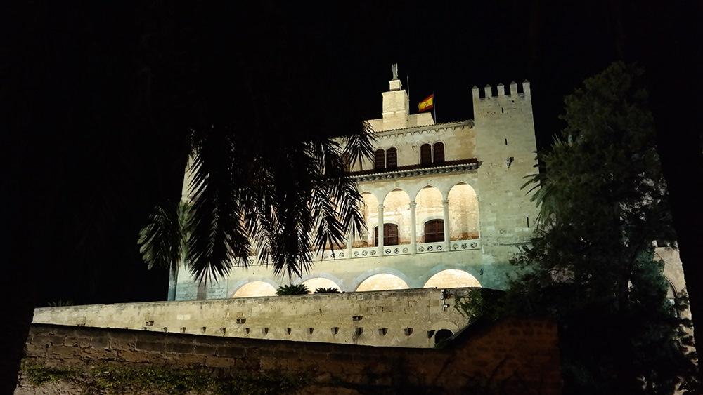 Mallorca-Palma-Almundaina-Palast-Nacht