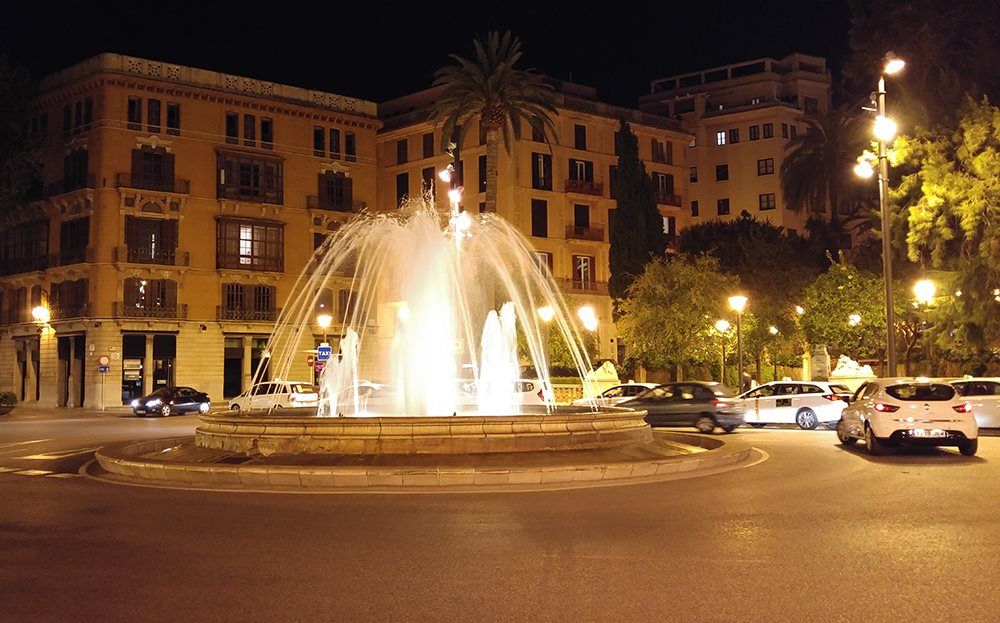 Plaza-de-la-Reina-Palma-Brunnen