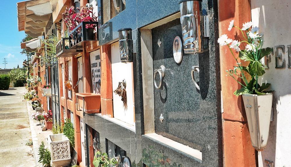 Mallorca-Alaro-Friedhof-Friedhof-Mauer-2