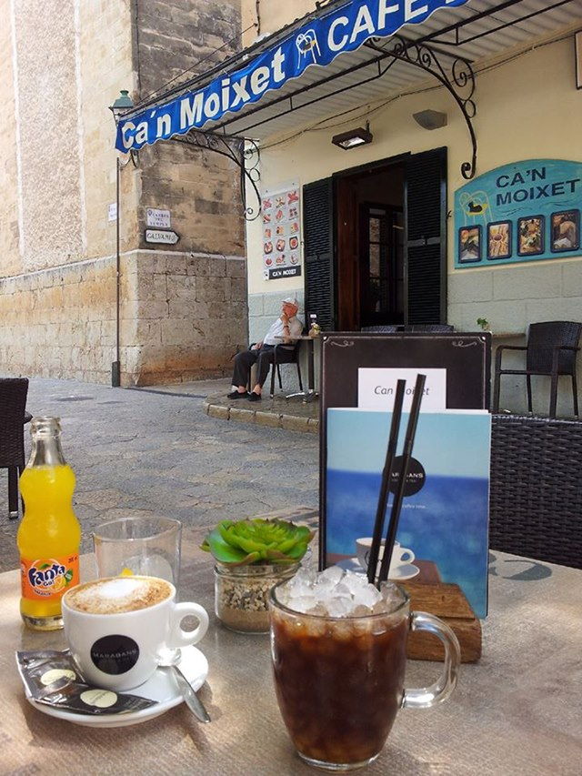 Mallorca-Pollenca-Cafe-Pause-Auszeit