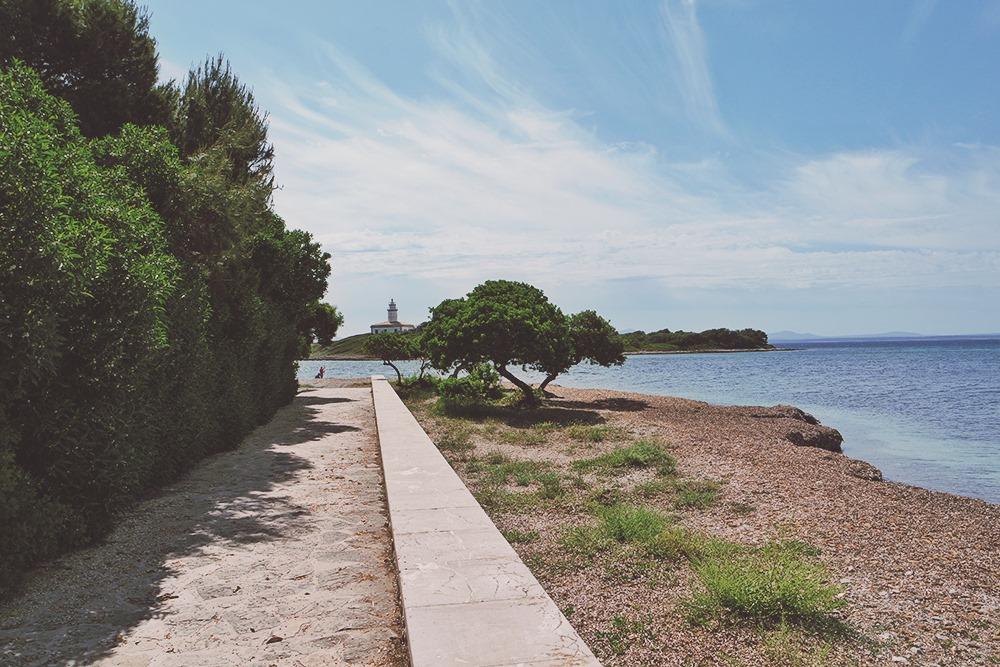 Mallorca-Alcanada-Strand-Leuchtturm-Weg