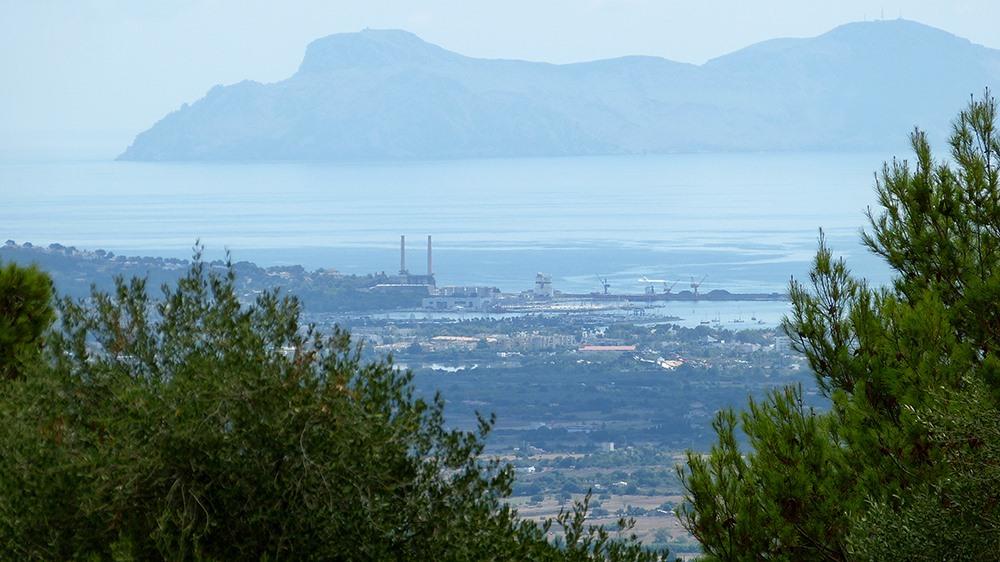 Mallorca-Puig-de-Maria-Wanderung-Ausblick-Port-Alcudia