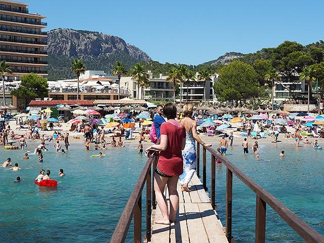 Mallorca-Camp-De-Mar-Touristen-Steg-1