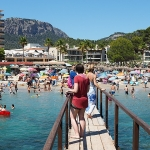 Mallorca-Camp-De-Mar-Touristen-Steg
