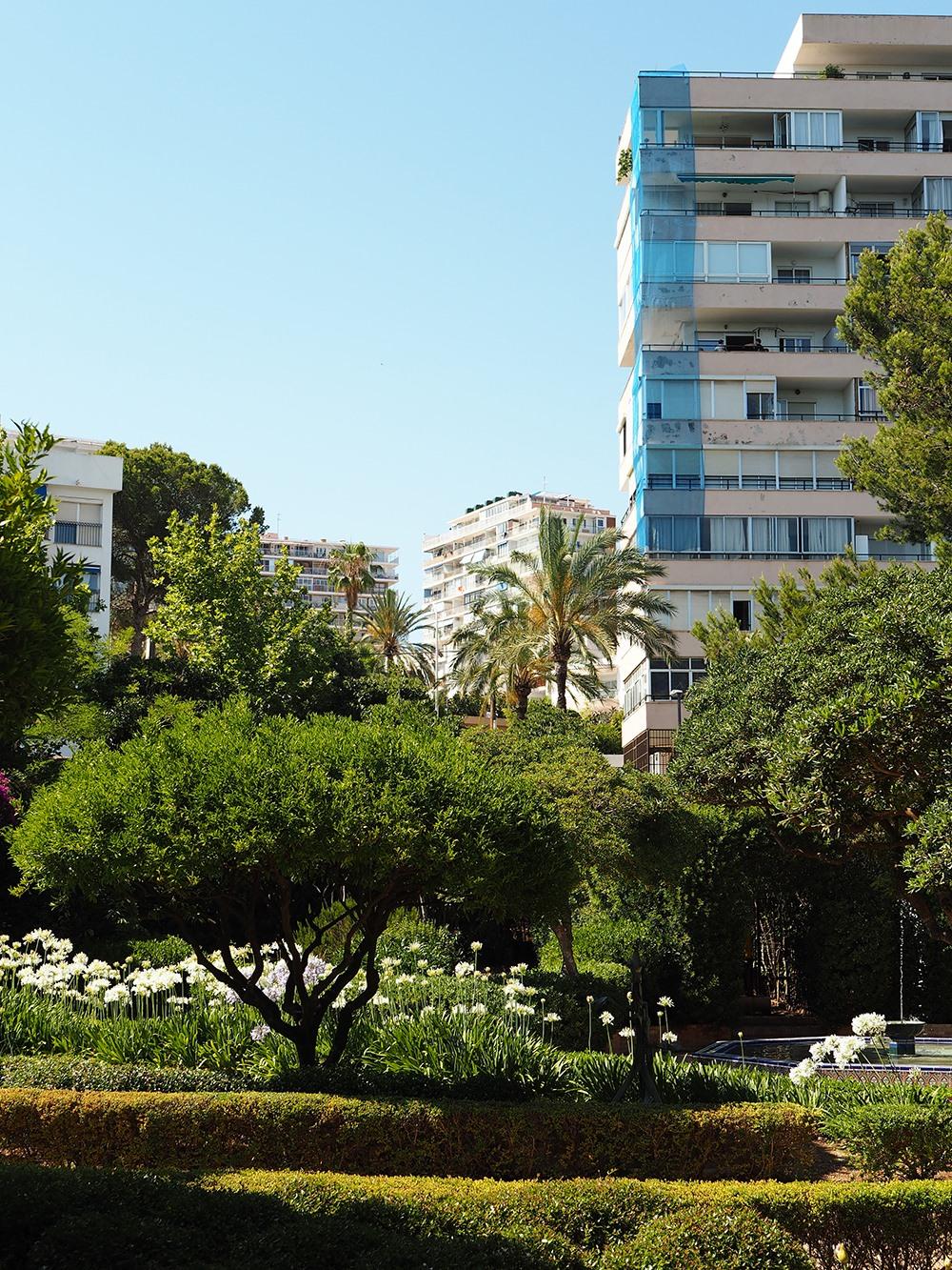 Mallorca-Palma-Marivent-Gaerten-Ausblick-Hochhaus