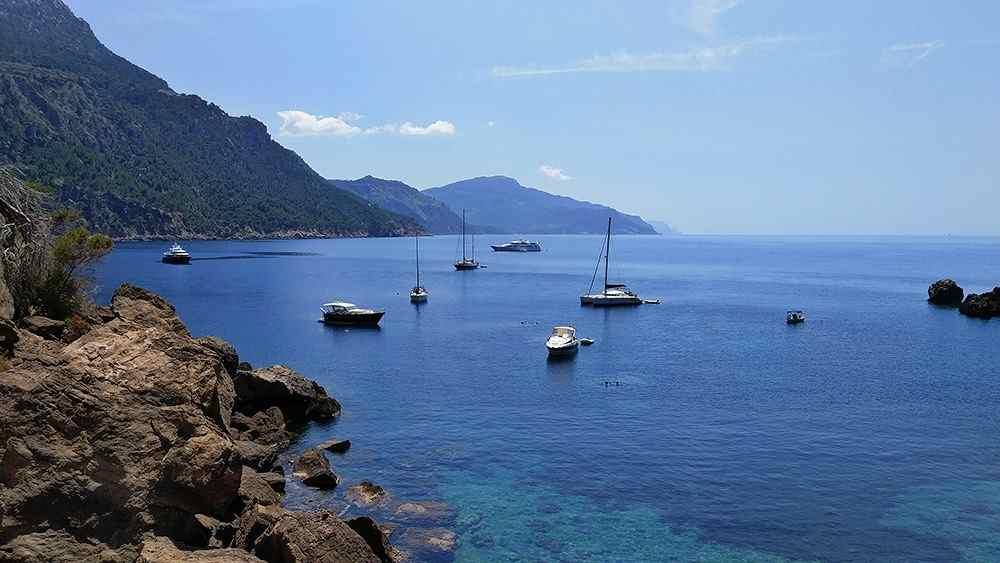 Mallorca-Sa-Foradada-Wanderung-Bucht-Boote