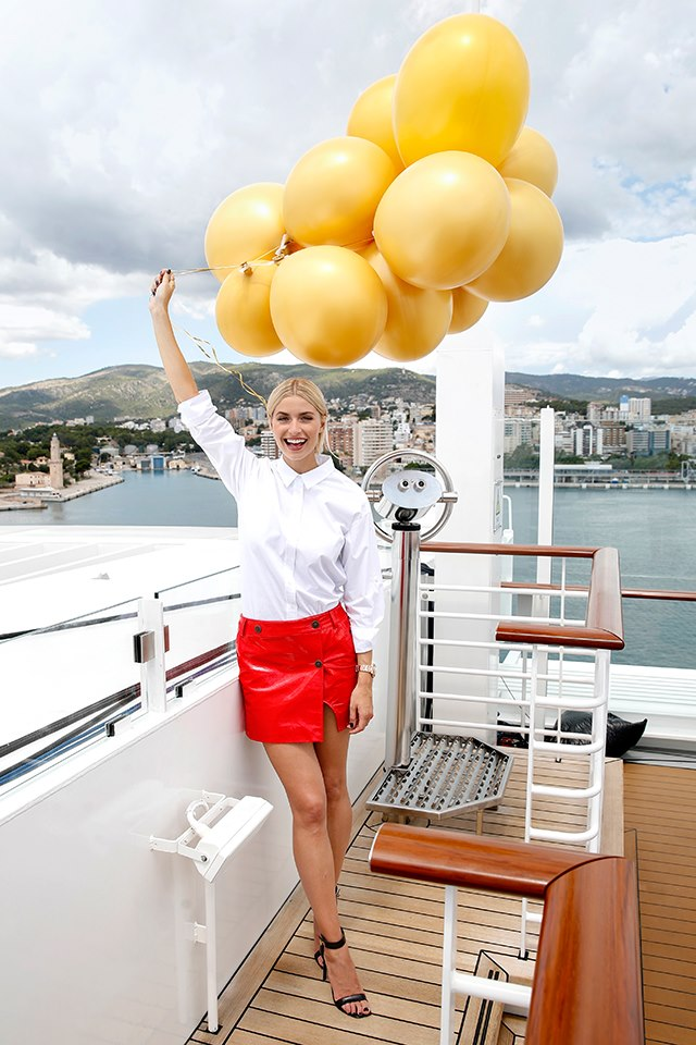Lena Gercke Tauft Aidaperla Im Hafen Von Palma De Mallorca