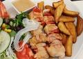Mallorca-Restaurant-Cala-Ratjada-Marea-Tropical-Haehnchenspiesse-120x86