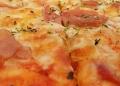 Mallorca-Restaurant-Cala-Ratjada-Marea-Tropical-Pizza-Schinken-120x86