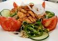 Mallorca-Restaurant-Cala-Ratjada-Marea-Tropical-Salat-Haehnchen-120x86