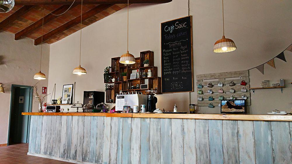 Mallorca-Canyamel-Cafe-Sauc-Tafel-Angebot-Smoothies-Tresen-2