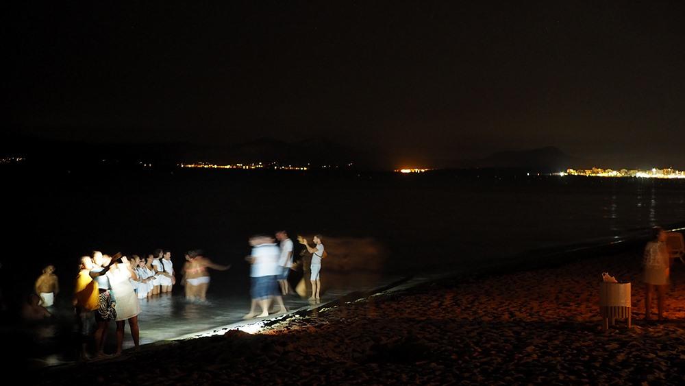 Mallorca-Johannisnacht-Sant-Joan-Strand-Baden-Nacht-Meer-2