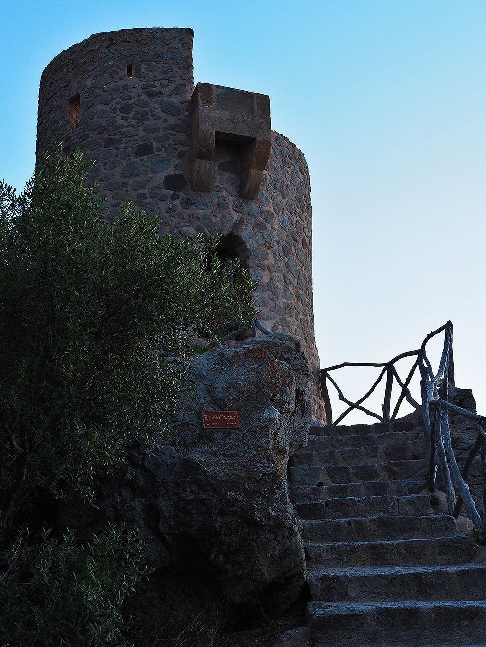 Mallorca-Torre-del-Verger-Aussichtspunkt-Treppe