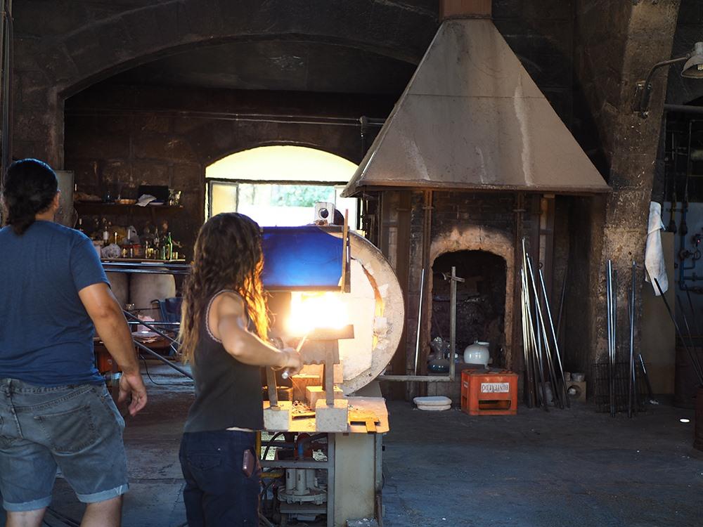 Mallorca-Glasblaeserei-La-Gordiola-Algaida-Arbeit-Ofen