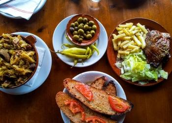 Typisch mallorquinisch ist das Angebot im Restaurant Ca'l Dimoni in Algaida