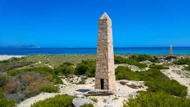 Mallorca-Strand-Son-Serra-de-Marina-Meer-Geschichte-Wachturm