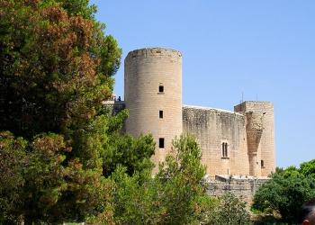 Das Castell de Bellver wacht hoch oben über der Stadt Palma