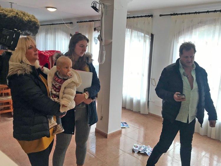 Jens Büchner und seine Frau Daniela wollen zur neuen Saison mit einem Fancafé auf Mallorca an den Start gehen | MG RTL D / 99pro media