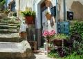 Mallorca-Banyalbufar-Treppe-Stuhl-Mediteran-120x86