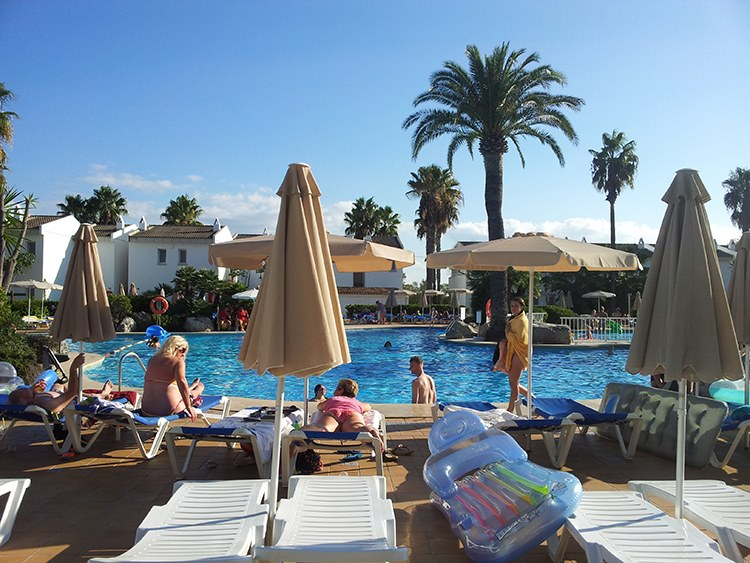 BQ-Alcudia-Sun-Village-Pool