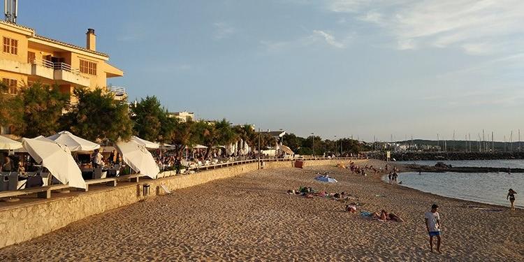 Der Strand von Colonia de Sant Pere