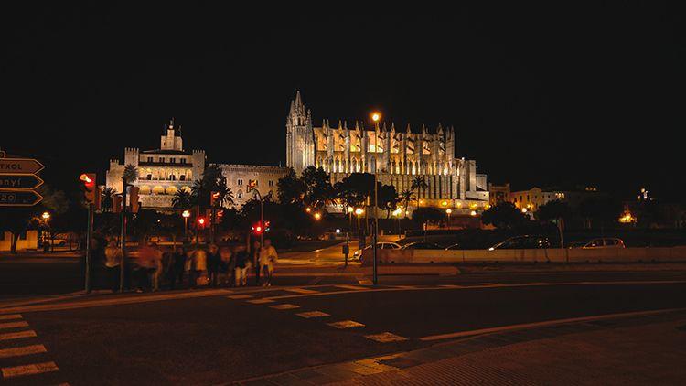 Palma-de-Mallorca-Nacht-Kathedrale-La-Seu-2