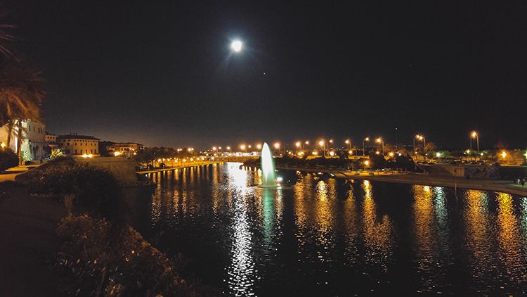 Palma-de-Mallorca-Nacht-Spiegelung-Teich-2