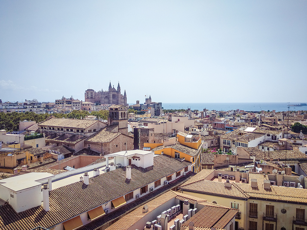 Mallorca-Palma-Sky-Bar-Hotel-Almudaina-1