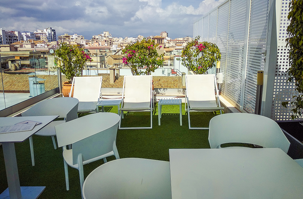 Mallorca-Palma-Sky-Bar-Hotel-Almudaina-10