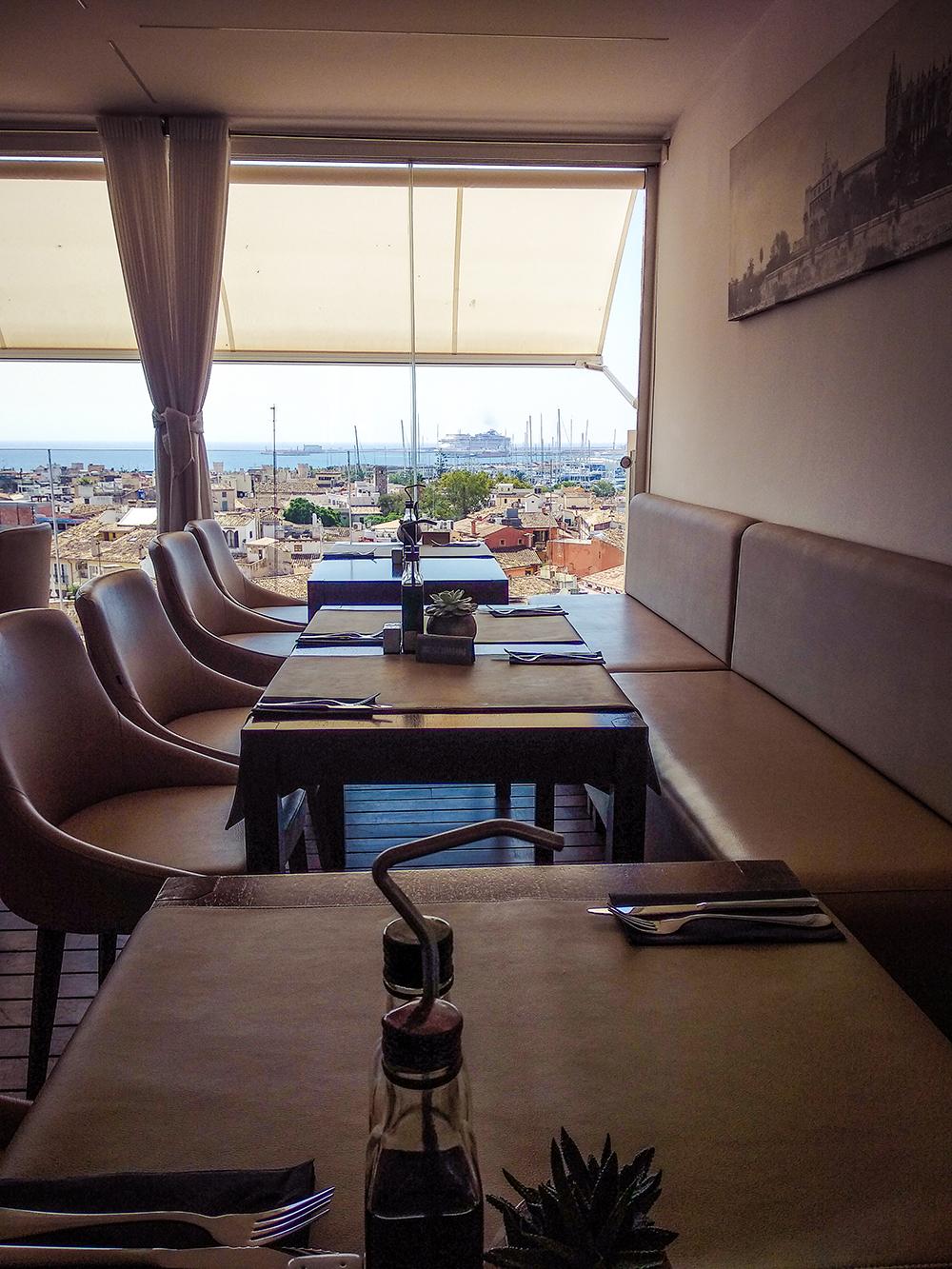 Mallorca-Palma-Sky-Bar-Hotel-Almudaina-3