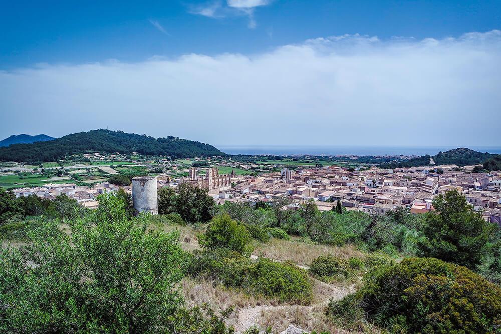 Mallorca-Son-Servera-Ausblick-Kirche