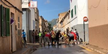 Die Aufräumarbeiten auf Mallorca waren noch nicht abgeschlossen, da zog bereits der nächste Sturm heran   Foto: Aresou Leisdorf
