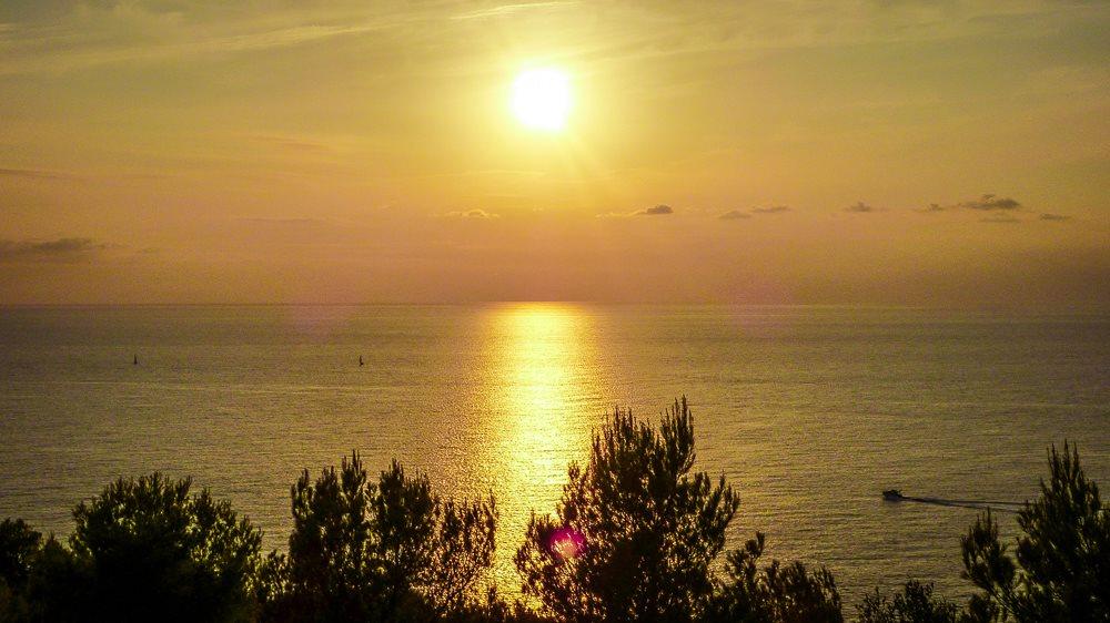 Port-de-Soller-Sonnenuntergang-Leuchtturm