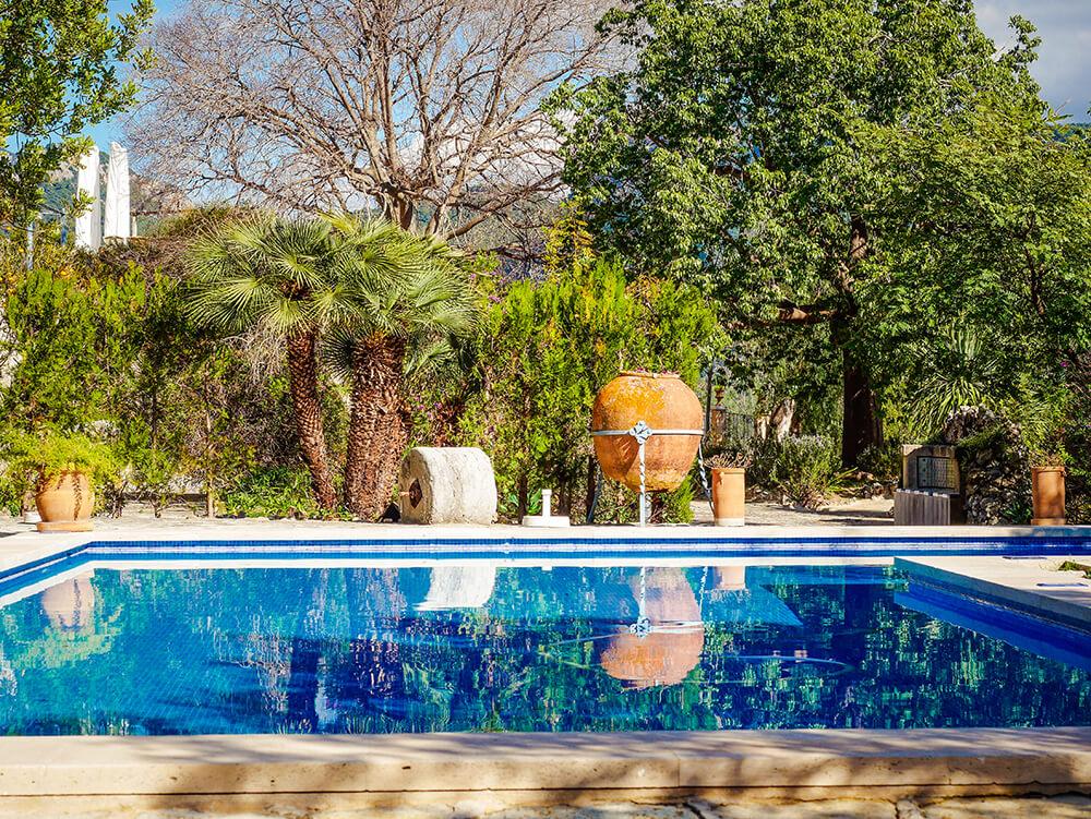 Mallorca-Tramuntana-Finca-Landhotel-Alqueria-Blanca-Pool-2