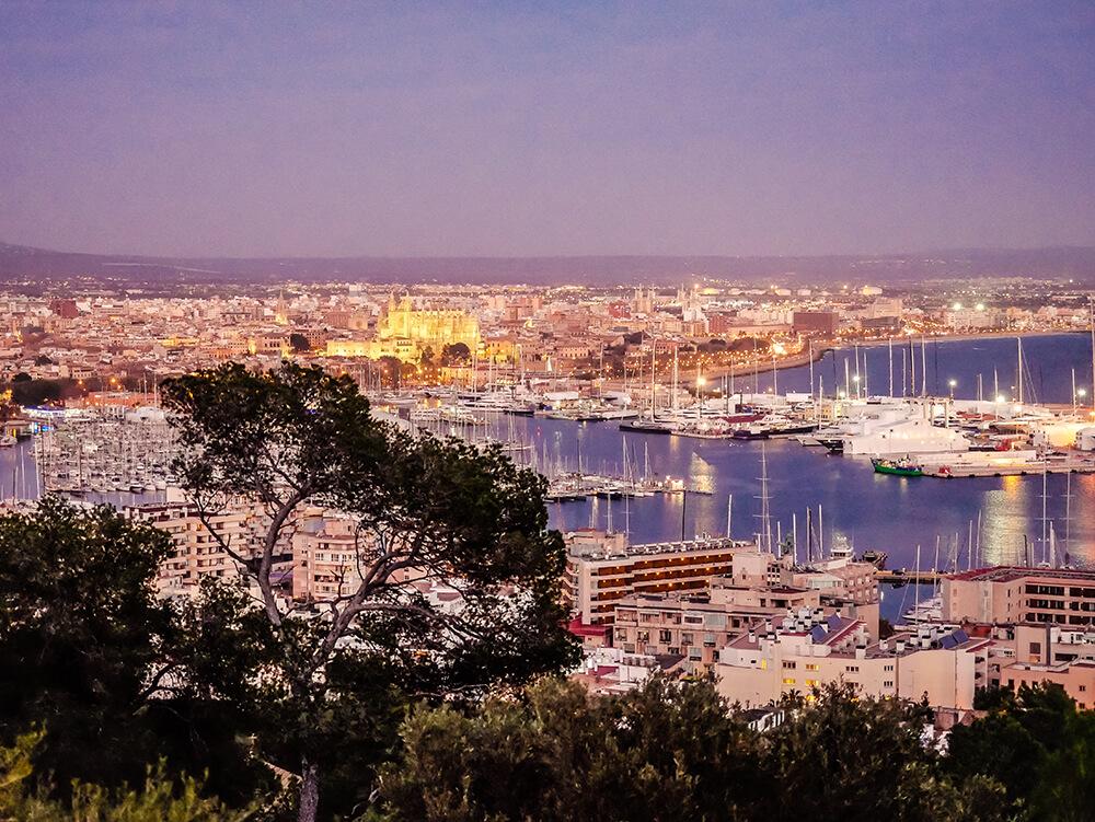 Palma-de-Mallorca-Castell-de-Bellver-Abend-Nacht-5