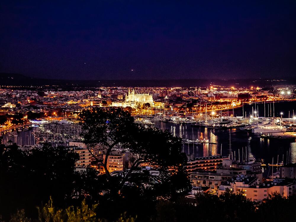 Palma-de-Mallorca-Castell-de-Bellver-Abend-Nacht-7